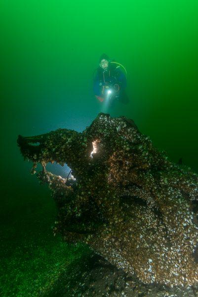Photographier un plongeur avec sa lampe