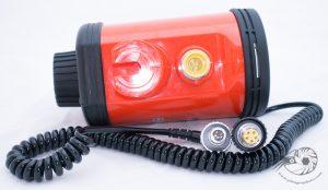La connectique électrique du flash Nikonos SB105