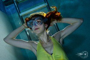 Modèle en piscine et flash déporté